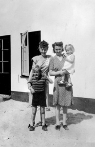 83 - Visiting a former neighbor and her children in Den Bosch, 1947
