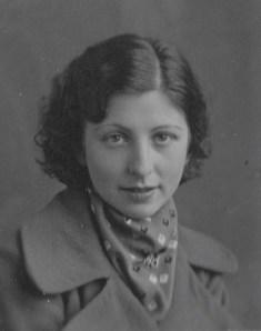 Rosie at age seventeen, 1931