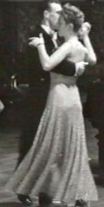 7b Rosie demonstrating the Sherlockinette b
